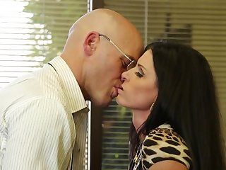 Fucking slutty India Summer in his office gets him gone