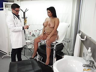 Chubby Latina throw out pounded hardcore before doctor's office