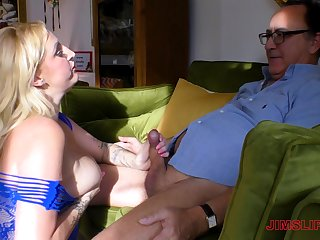 Be in charge chubby mature Loula Lou gets a facial in fishnets