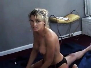 Join in matrimony talks dirty while cuckold husband films her regarding bull