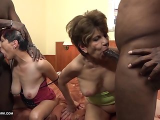 Granny group interracial fuck a difficulty grannies suck black cocks