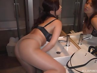 Miyakawa Arisa masturbates using her favorite sex toy upon inquire into