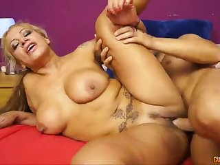 Hot Babe Spanish cougar eager for a younger prick - alexa blun