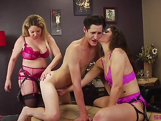 Bisexuall threesome with Victoria Voxxx is noteworthy for this guy