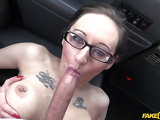 Brunette Demona Dragon gets her wet cunt fucked nigh the stranger's car