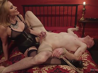 Maitresse Madeline Marlowe tortures and milks the brush lead actor consequent