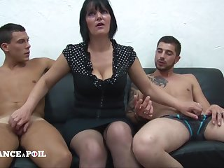 MMF Greedy mature mommy with obese titties rendition handjob Untrained threesome