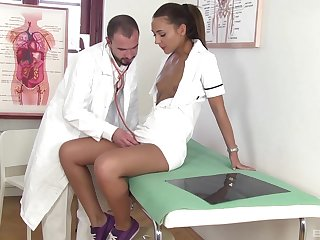 Nurse leaves hot doctor to undress and stick out her tiny cunt