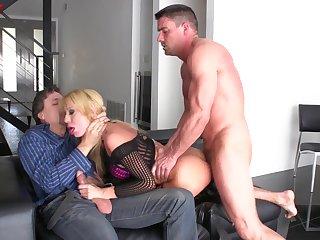 Bazaar wife Amy Brooke enjoys having MMF threesome with anal sex